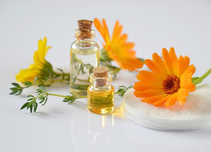 Jak wybierać kosmetyki do mezoterapii bezigłowej? Jakich składników aktywnych szukać?
