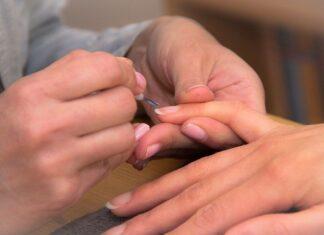 Jak działa odżywka do paznokci?